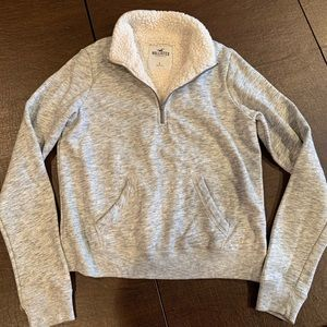 EUC hollister fleece Sherpa pullover 1/4 zip SMALL